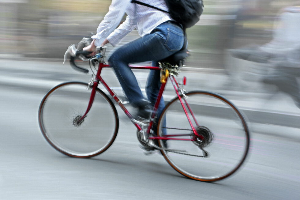 IRRITERENDE: For bysyklister kan det være et problem at lyskryssene ikke detekterer dem.  Foto: Colourbox