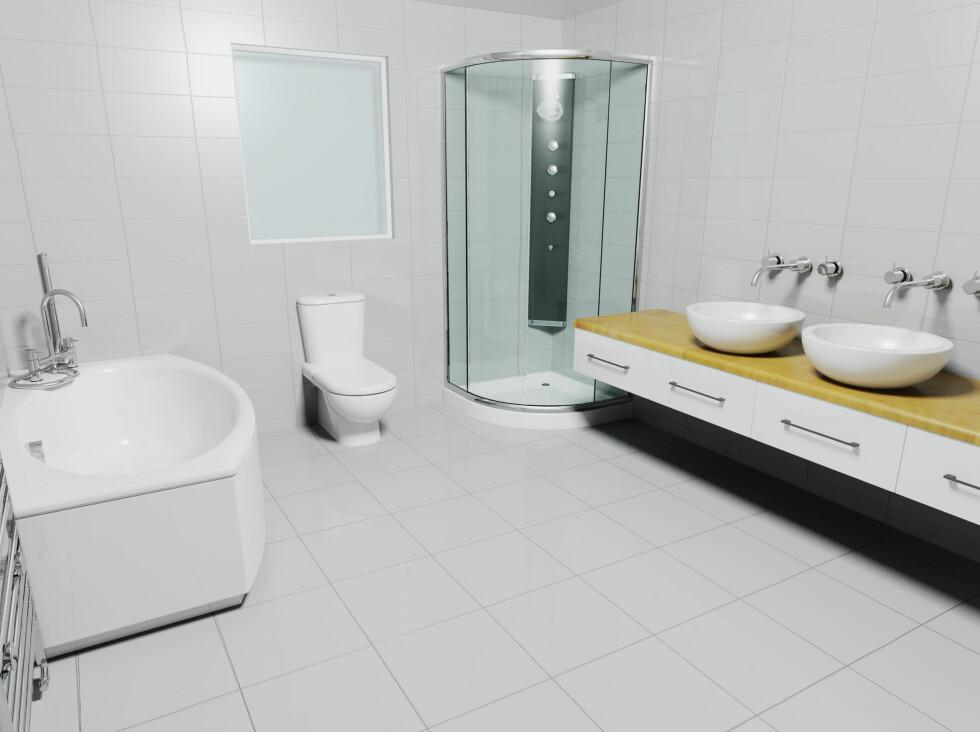 Vurder dusjkabinett fremfor dusjløsning rett på gulvet - da er det langt mindre sjanse for lekkasje. Foto: PantherMedia / Kirsty Pargeter