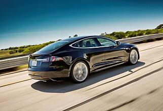 Tesla Model S med firehjulstrekk?