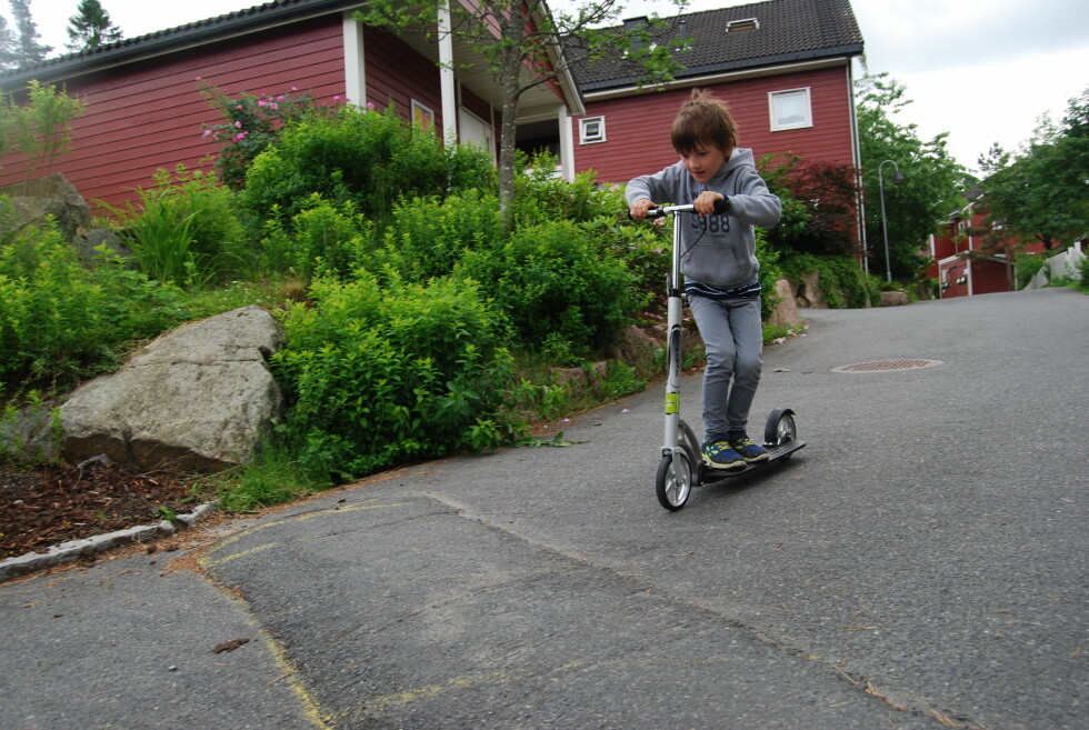 FOR ALLE: Senk styret, så kan hvem som helst kjøre den.  Foto: Thomas Strzelecki