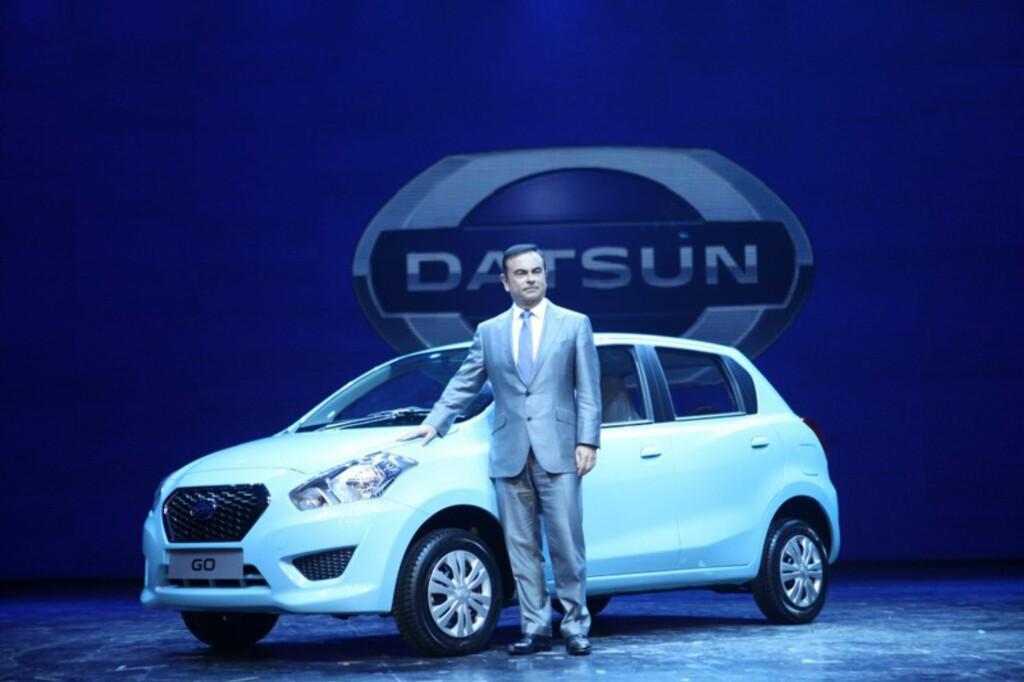 Det var selveste Carlos Ghosn - sjefen for både Renault, Nissan og nå også Lada, som viste frem den første Datsun-modellen i nyere tid. Enkel bil, enkelt navn: Go, heter den. Foto: NISSAN