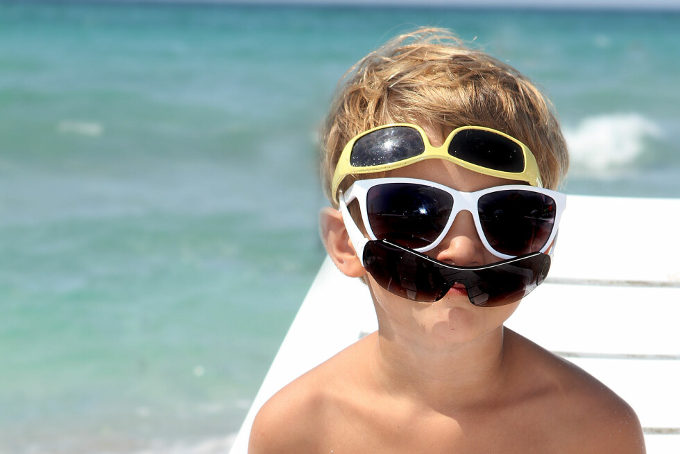 Dyre eller billige briller? UV-beskyttelsen er like god, viser tester. Foto: Colourbox.com