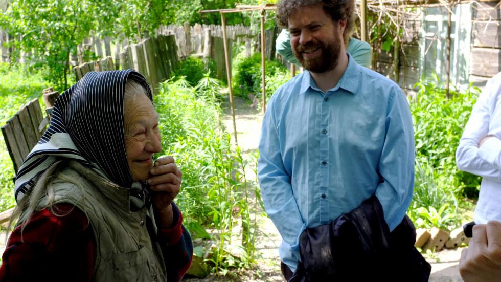 Noen bor fortsatt i sonen, som denne gamle kvinnen.  Foto: Ole Petter Baugerød Stokke