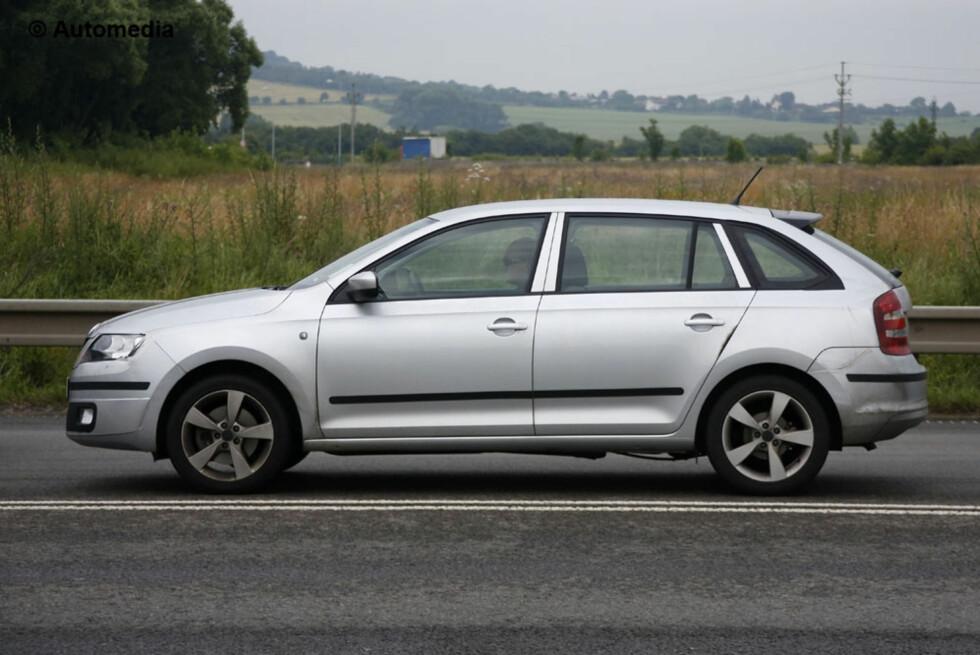 Audi A3 Sportback? Nei, dette er en kommende modell fra Skoda. Den skal hete Rapid Spaceback, så vidt vi vet. Men det er noe rart med denne...  Foto: Automedia