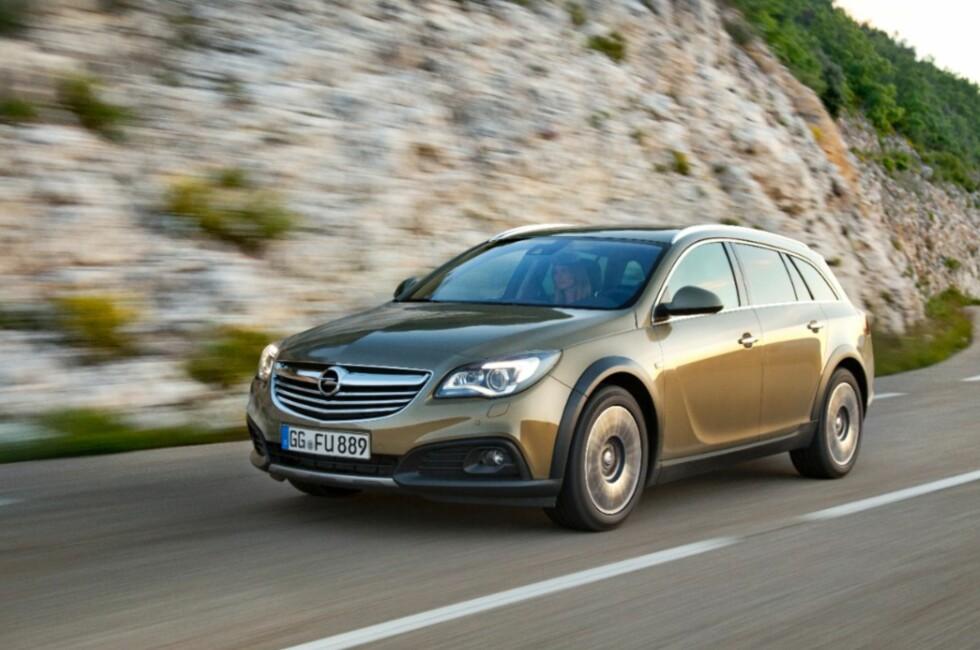 Firehjulstrekk, høy bakkeklaring, sterk dieselmotor og automatgir: Dette er en vinnerkombinasjon i Norge. Navnet på nykommeren er Opel Insignia Country Tourer, og er Opels svar på Allroad, XC70, Outback og lignende. Foto: Opel