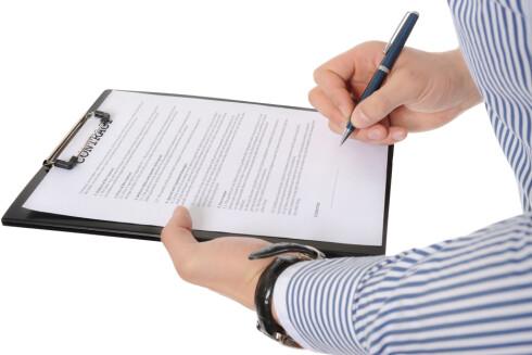 IKKE FRITT FREM: Selv om du har skrevet under en kontrakt, er den ikke gjeldende om en av partene har brutt avtaleloven.  Foto: Colourbox.com