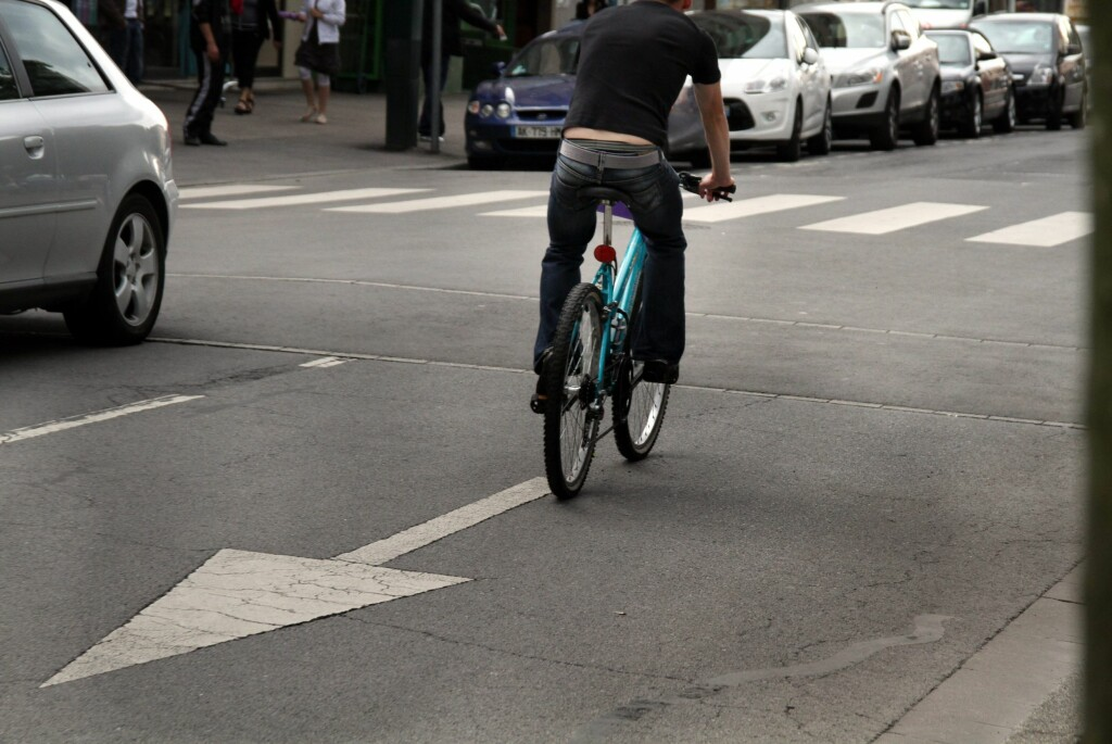 <strong>IKKE PROVOSER UNØDVENDIG: </strong>Dette er noe syklistene må slutte med.  Foto: Colourbox.com