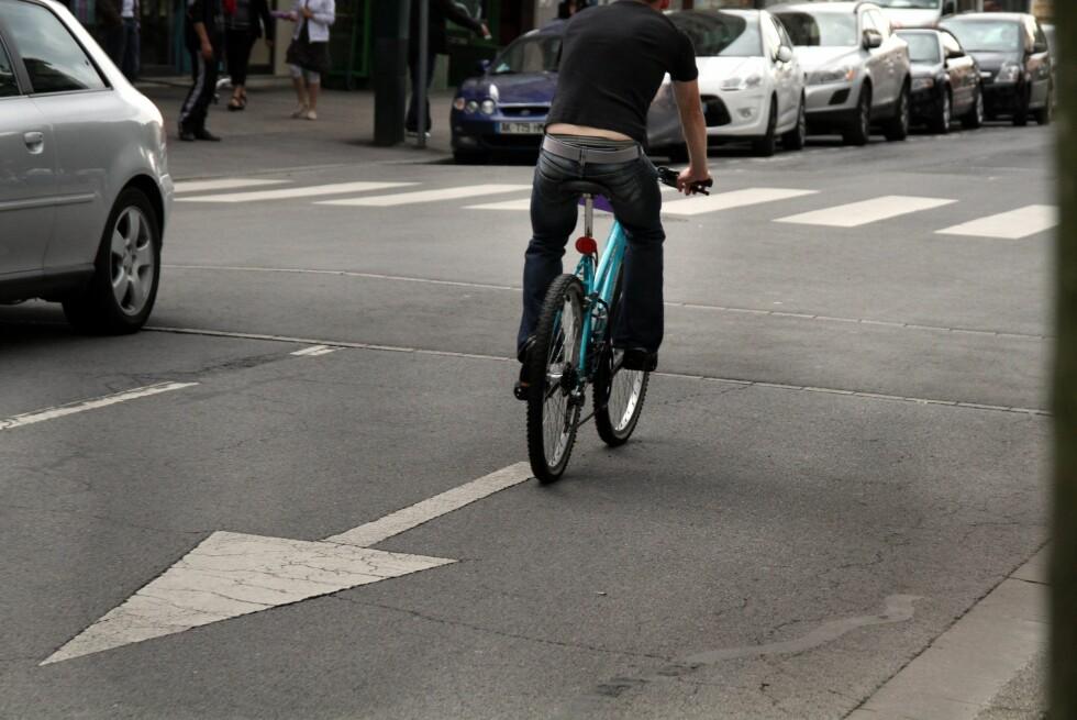 IKKE PROVOSER UNØDVENDIG: Dette er noe syklistene må slutte med.  Foto: Colourbox.com