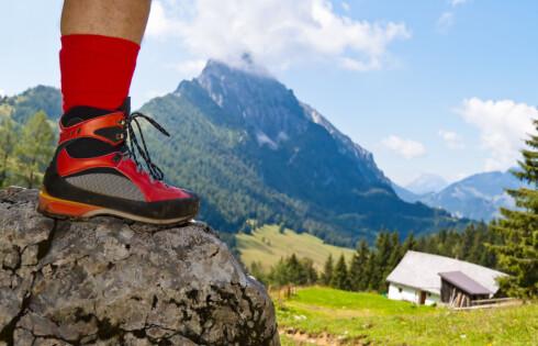 Tekstilsko kan impregneres med spray eller flytende impregnering tilpasset sko med membran. Foto: Colourbox.com
