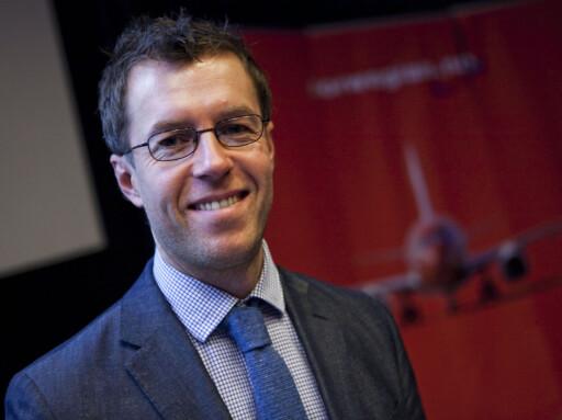Informasjonssjef Lasse Sandaker-Nielsen sier at Norwegian beklager, men sier de tror at de fleste familiene kan løse dette selv. Foto: Per Ervland