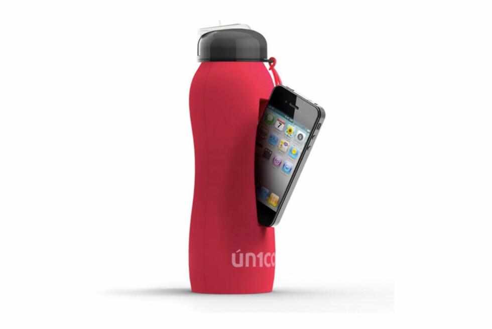 GODT GJEMT: Men hvorfor skal du egentlig oppbevare mobiltelefonen din i flaska? Foto: Adnart