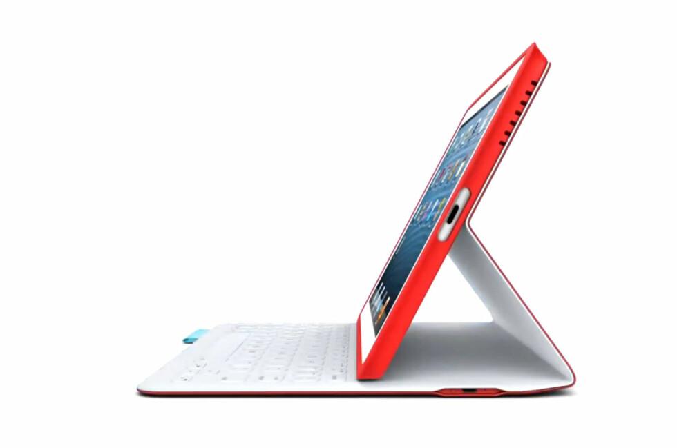 Det er mye bra ved denne løsningen, men merk at den gjør iPad-en din dobbelt så tung. Foto: Logitech