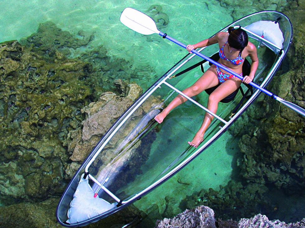 ROLIGE FARVANN: Den er ikke beregnet for røff sjø.  Foto: Clear Blue Hawaii