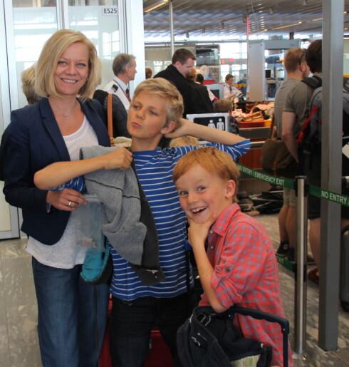 Familien Markingbakke var blant de første som fikk prøve den nye familieslusen på Gardermoen - og de var veldig fornøyde. Foto: Kristin Sørdal
