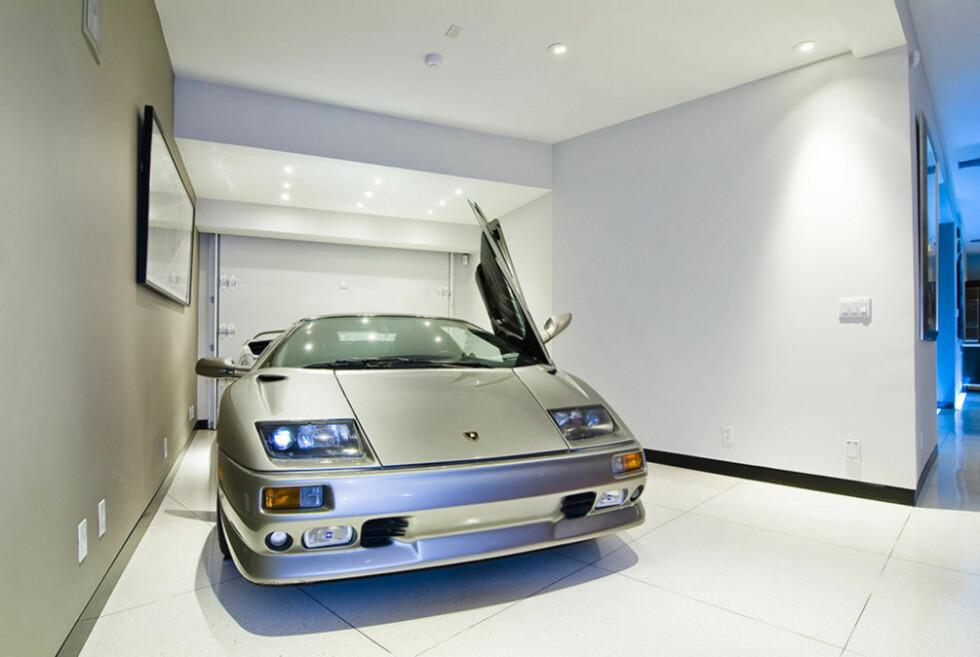 <B>EKSKLUSIV GARASJE:</B> Vi forstår at du har lyst til å degge litt ekstra med bilen din når vi snakker en klassisk Lamborghini, men dette er kanskje litt i overkant? Foto: Whipple Russell Architects
