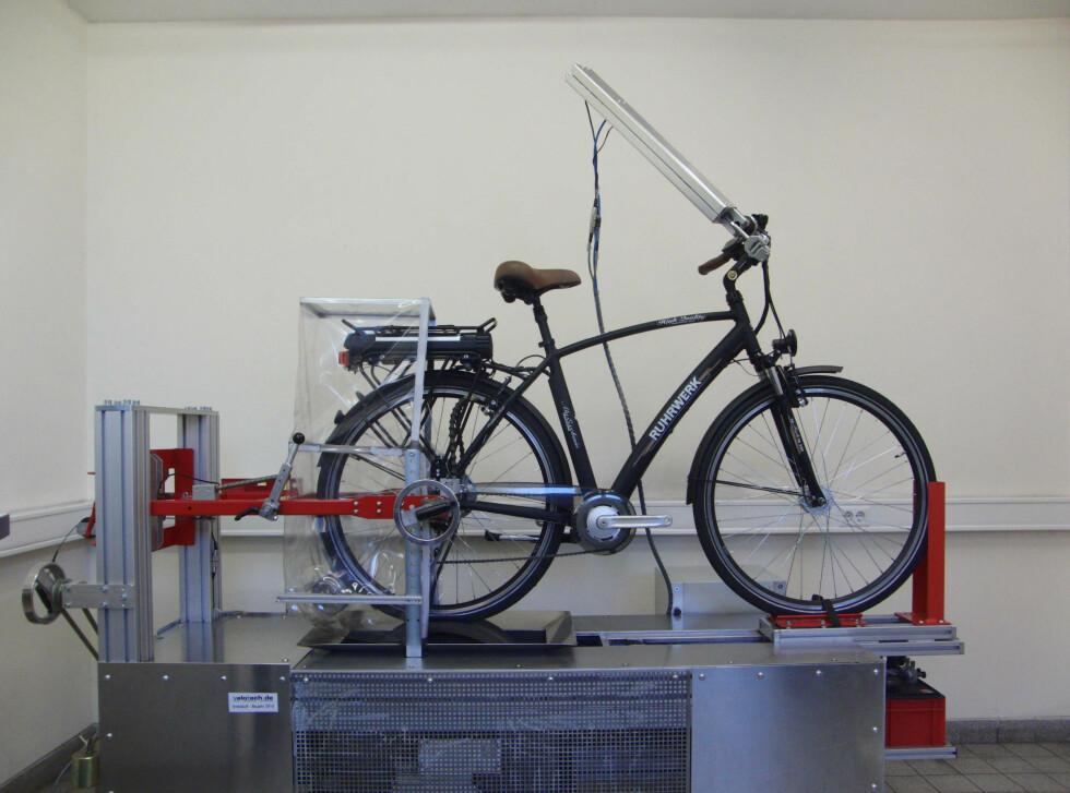 Fra testbenken: Bremsetester Foto: Stiftung Warentest