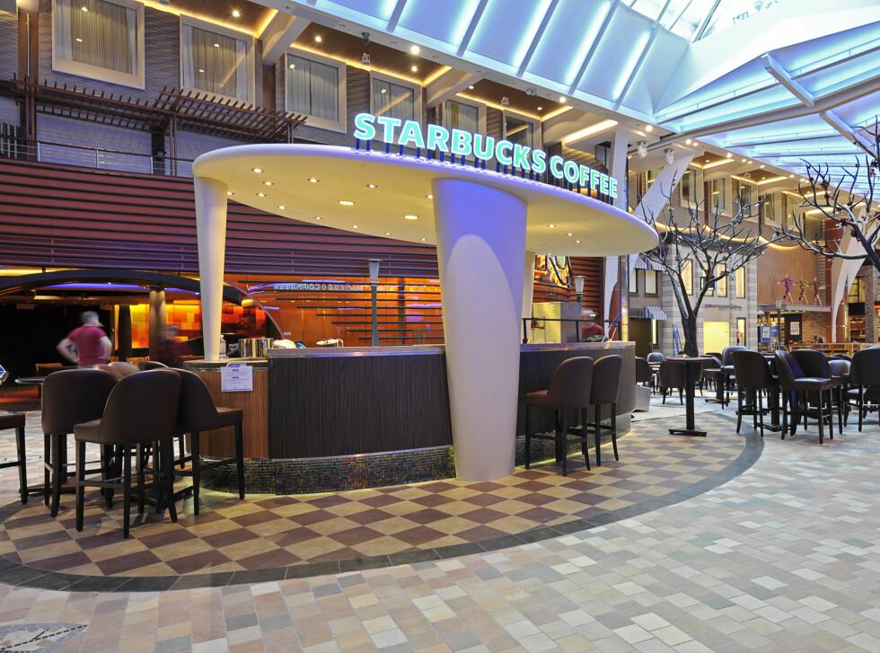 Om bord på cruisegiganten Allure of the Seas er Starbucks en del av tilbudet. Foto: Starbucks