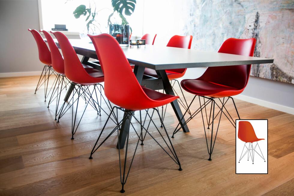 Det skal være rene kopier for at det er forbudt å selge og omsette i Norge. Disse Eames-inspirerte stolene fra Bohus er inspirert, men forskjellige nok til at det ikke regnes som brudd på opphavsretten - selv om det er tydelig hvilken stol de henter sin inspirasjon fra. Prisen er 799 kroner, cirka en fjerdedel av stolene som produseres av Vitra på lisens (Innfelt). Foto: Per Ervland/Vitra