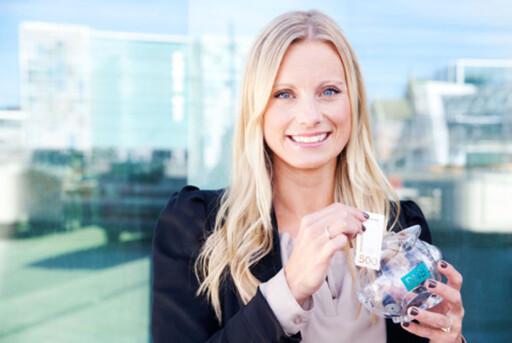 Som programleder i TV3s Luksusfellen gir Silje Sandmæl råd til familier med økonomiske utfordringer. Hun er også forbrukerøkonom i DNB. Foto: Anette Norr