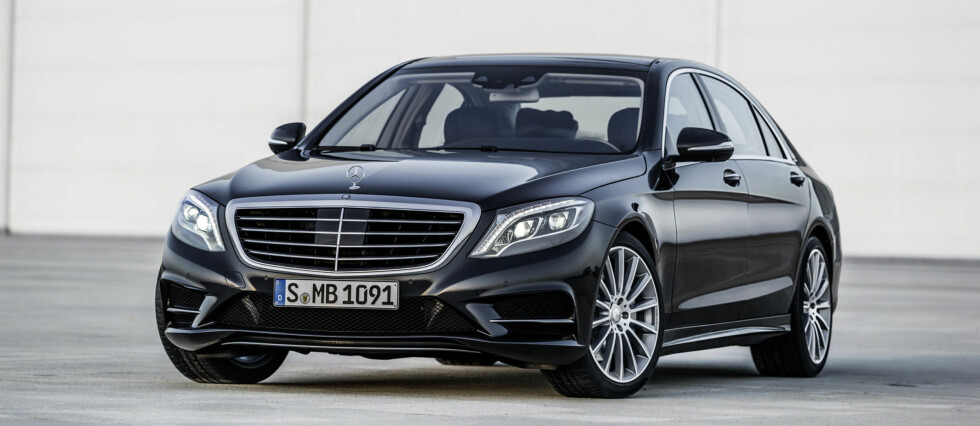 S-klasse er en stor bil på godt over fem meter Foto: Mercedes