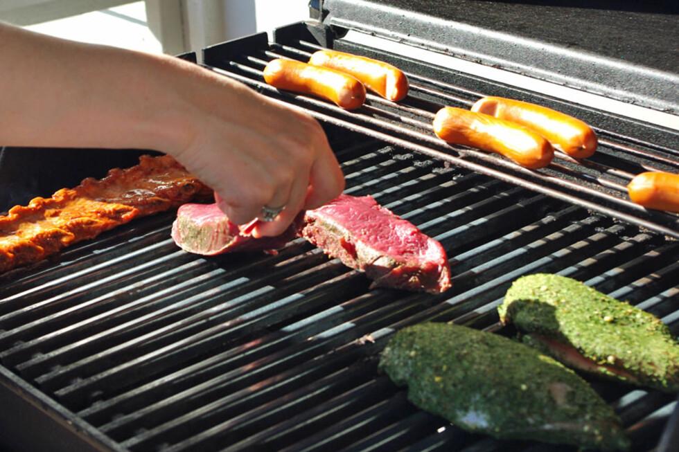 Bør du handle på Rema 1000 eller Kiwi før du skal grille? Sjekk resultatet i vår grillduell. Foto: Berit B. Njarga