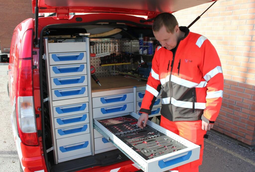 Et komplett verksted på hjul må til for å nå målsetningen om å hjelpe ni av ti på stedet.  Foto: Falck