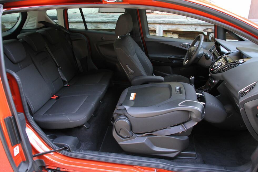 PRAKTISK: Ford B-Max er en av bilene i Fords produktsortiment som fårr forenklet prisstruktur - og får lavere listepris. Foto: Fred Magne Skillebæk
