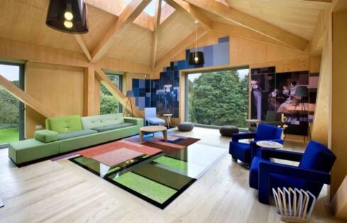 <strong><B>STUE:</strong></B> Med utsikt over det grønne landskapet er det kanskje her mange vil sitte under oppholdet. Eller så går de bare ut - men husk å gå ut i riktig ende. Foto: Living Architecture