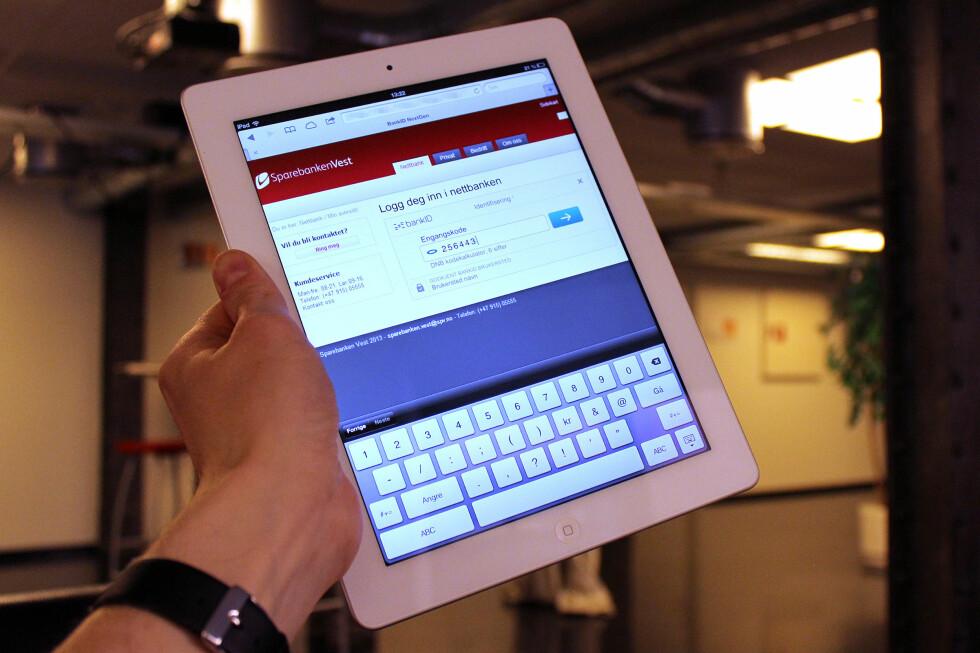 PÅ NETTBRETT: BankID 2.0 fungerer på nettbrett som iPad. Ettersom løsningen skal være uavhengig av operativsystem, vil det også fungere på Android.  Foto: Ole Petter Baugerød Stokke