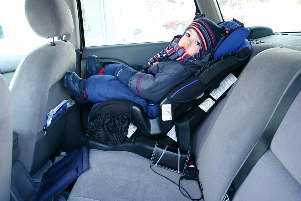 Får du ekstra lang reisevei fordi du skal bringe i barnehage eller SFO? Du kan faktisk få fradrag for det du kjører ekstra. Foto: BENELUXPIX/MAXPPP