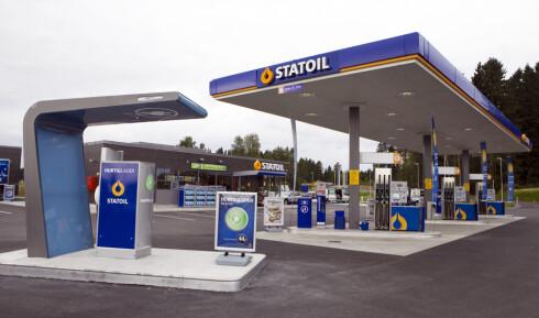 En ny spørreundersøkelse gjort for Statoil Fuel & Retail viser at ni av ti menn unngår vaskeautomat og vasker bilen for hånd.