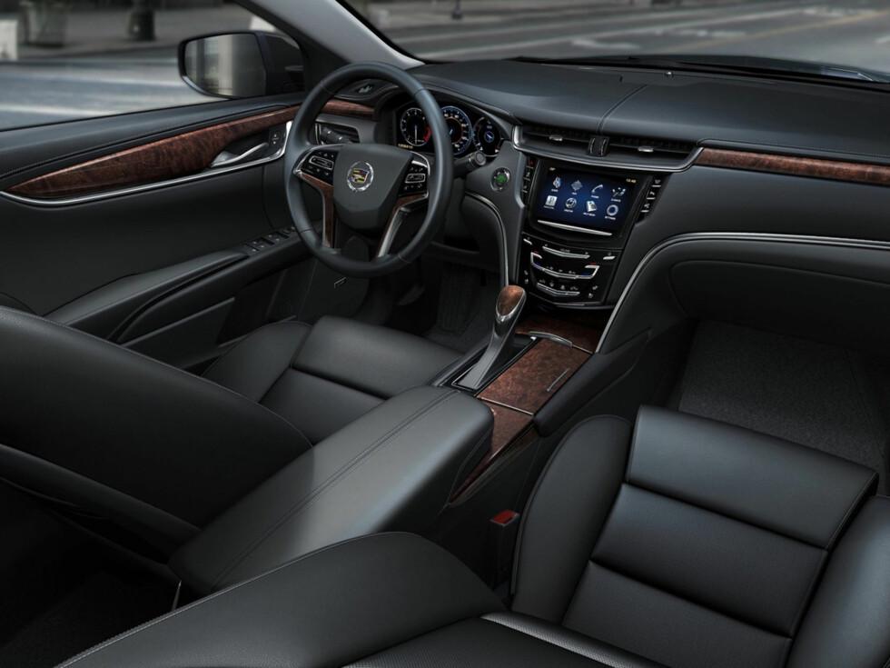 Cadillac XTS (Premium-sedan i øvre mellomklasse)