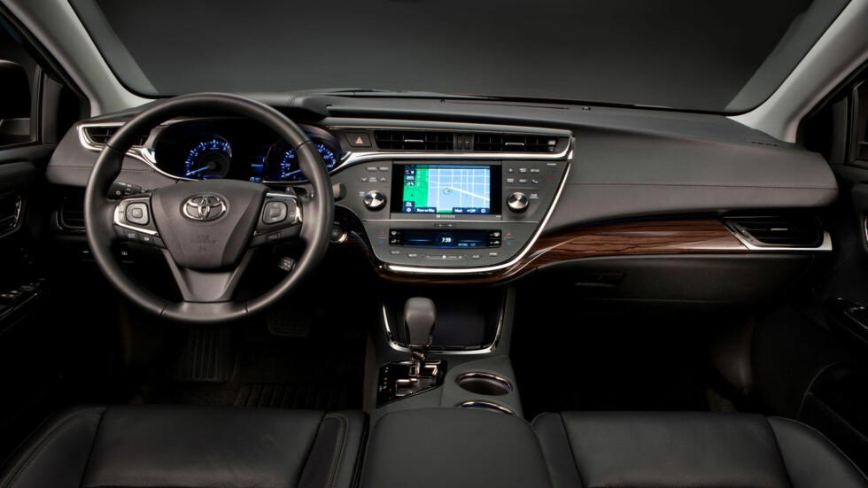 Toyota Avalon - sedan i øvre mellomklasse. Foto: Toyota