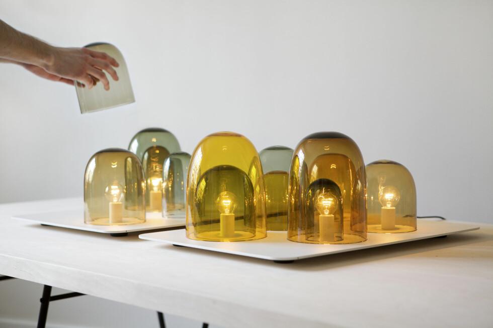Light Tray av Daniel Rybakken og Andreas Engesvik for svenske Asplund består av et lite brett i pulverlakkert aluminium med et par lyskilder, og en rekke håndblåste glasskupler som du selv  kan flytte rundt på. Light Tray fikk designprisen av svenske Elle Interiör i år, og koster cirka 5.000 kroner.  Foto: Daniel Rybakken