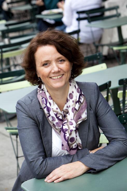Pensjonsøkonom Kristin Myrmo oppfordrer par til å ta felles ansvar for pensjonen til den som jobber redusert. Foto: SpareBank 1