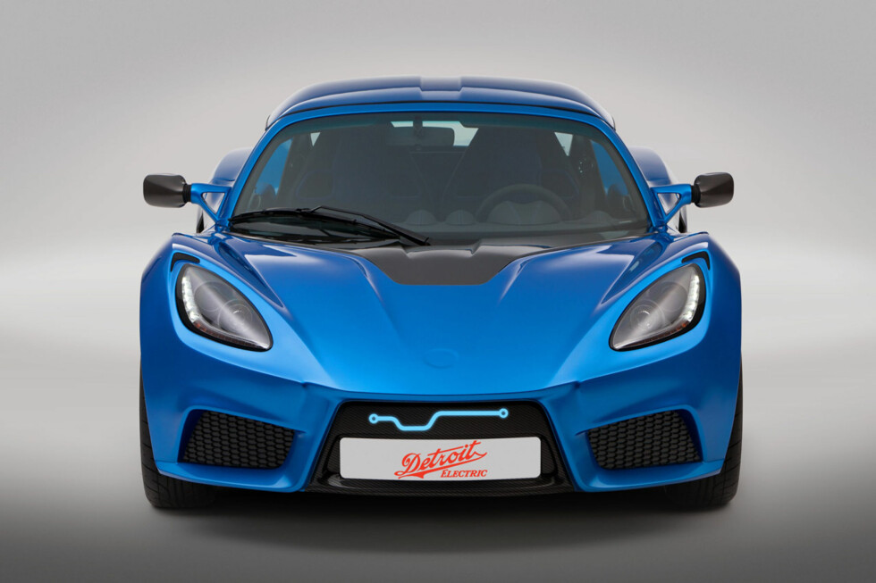Sett den før, sier du? Dengang stod det Tesla eller Lotus på den. Nå er det Detroit Electric som pryder emblemet.  Foto: Produsenten