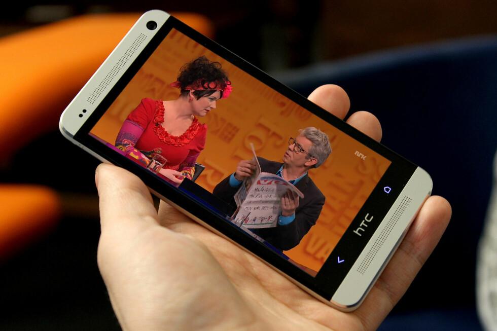 LISENSFRITT: I dag kan du slippe lisens ved å ikke eie en TV, men likevel se NRK via for eksempel mobilen eller PC-en. Det kan det bli slutt på.  Foto: OLE PETTER BAUGERØD STOKKE
