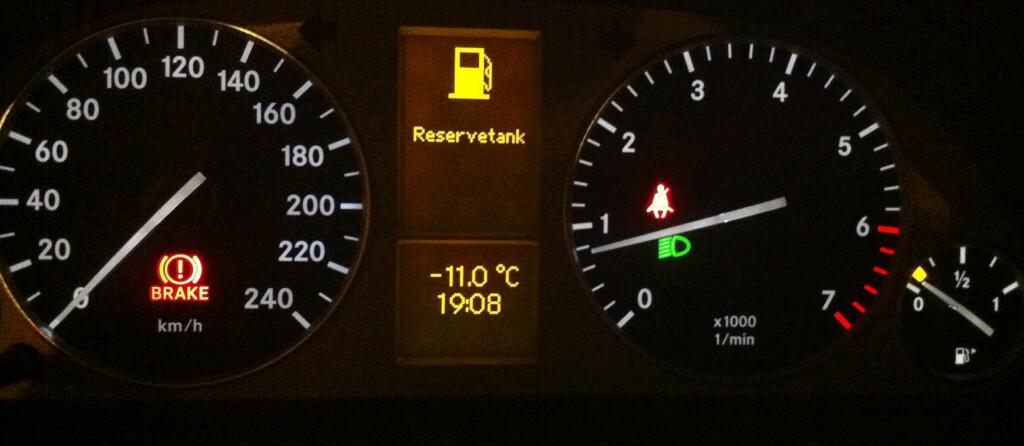 Dårlig idé å parkere med denne kombinasjonen. I alle fall for deg med dieselbil. Foto: Kristin Sørdal