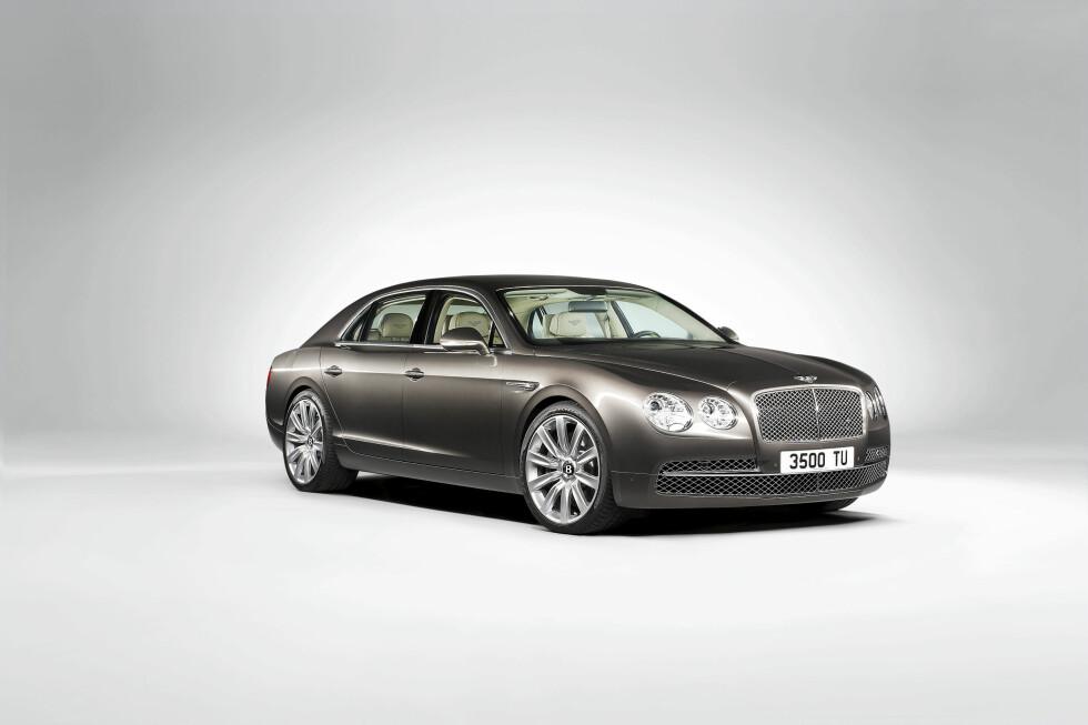 Bentley Continental Flying Spur er en svær bil.