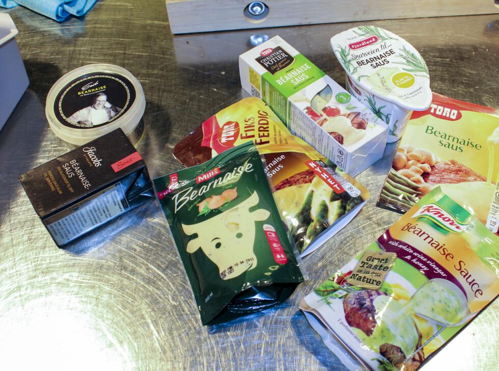 Følgende åtte sauser har blitt smakt på og vurdert av en kjøkkensjef og to DinSide-journalister. Foto: Elisabeth Dalseg
