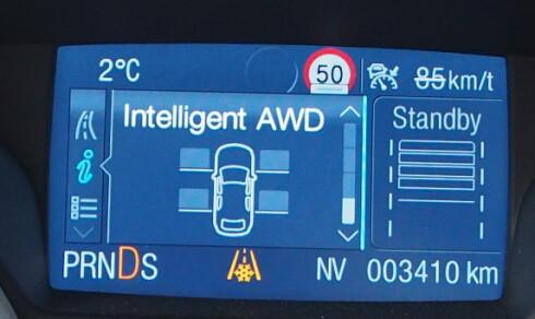 Markører ved hjulene i displayet gir et raskt overblikk over hvordan trekkraften fordeles. Foto: Øyvind P