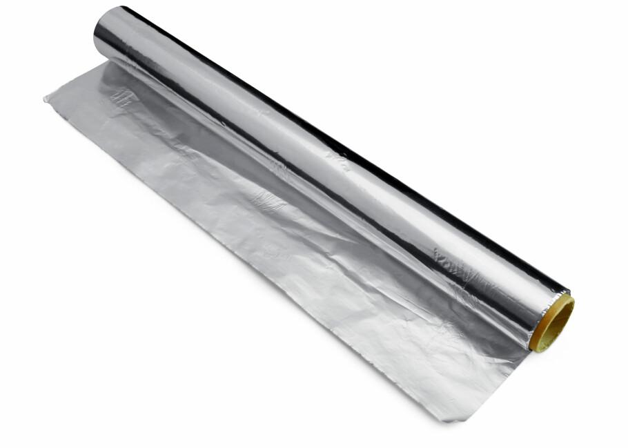 SMARTE LØSNINGER: Aluminiumsfolie kan brukes til langt mer enn tilberedning og oppbevaring av mat. Foto: Colourbox