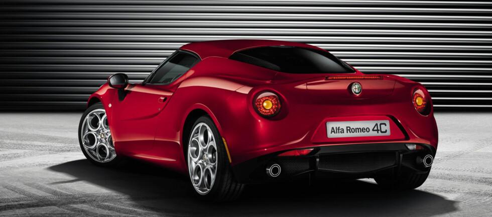 Særlig hekken har klare hentydninger til storebror Alfa Romeo 8C Competizione. Foto: Alfa Romeo