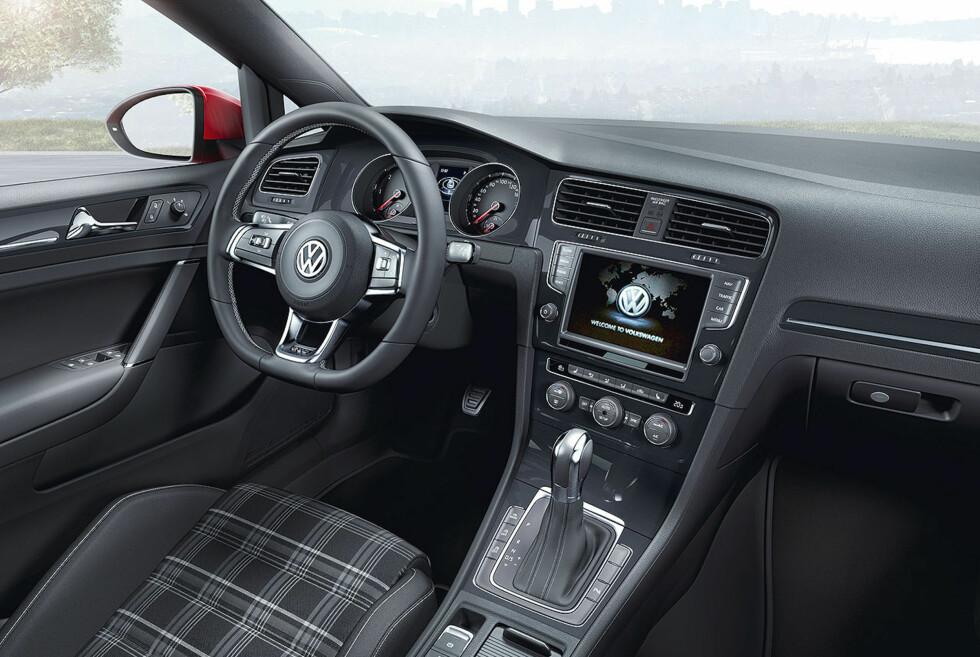 VW GTD er helt tydelig et medlem av GTI-klanen og med 184 hestekrefter, 380 newtonmeter og 0-100 på 7,5 sekunder utvilsomt et fullverdig sådant. Foto: VW