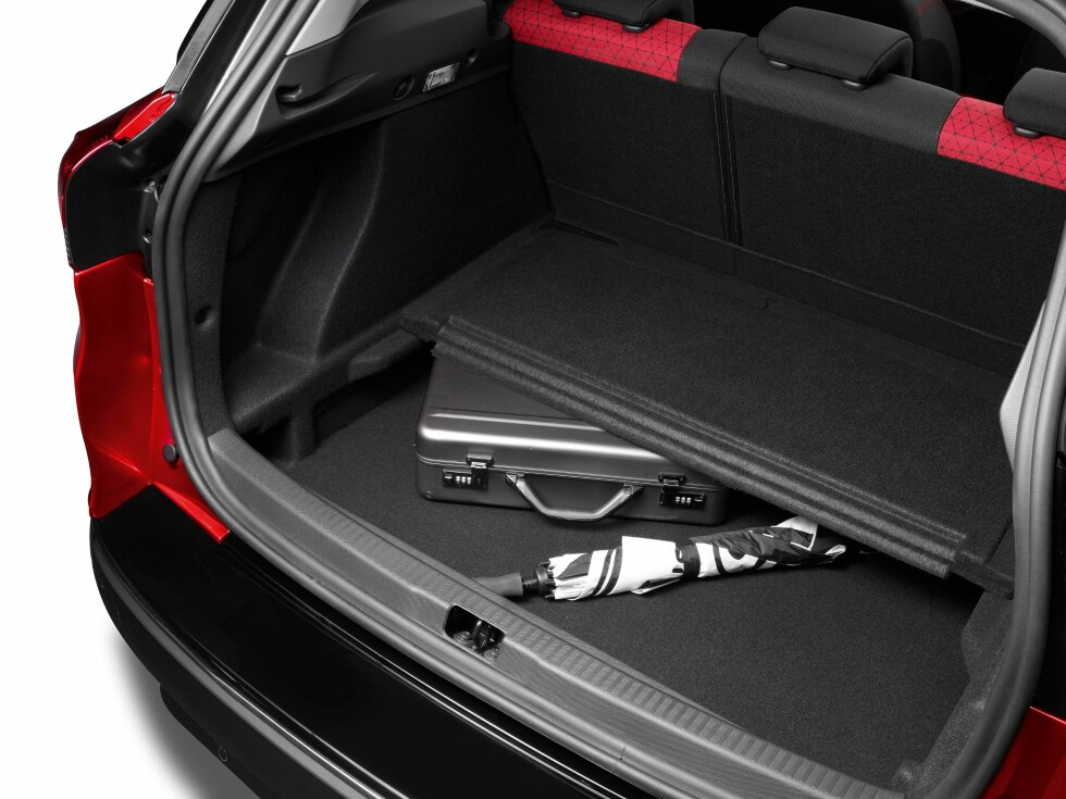 430 liter og dobbelt gulv i Clio Sport Tourers bagasjerom. Foto: Renault