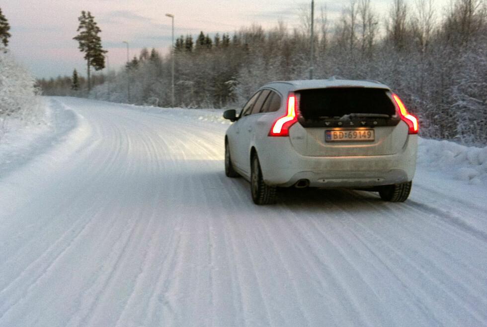 Norske vinterveier er ikke alltid så idylliske som dette. Nå tester Statens vegvesen ut SMS-varsling for bilister som skal over Dovrefjell. Foto: Knut Moberg