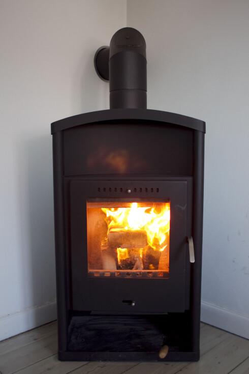 Tørr ved gir god og jevn fyring - best for ovn og pipe. Foto: Colourbox