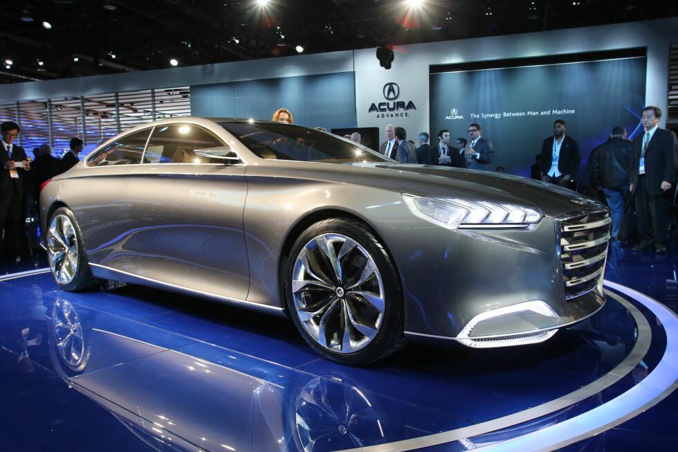 Hyundai HCD-14 ble nylig vist på bilmessen i Detroit (NAIAS)og er nyeste eksempel på koreansk premium-design. Vi aner en antydning av Jaguar-inspirasjon, for øvrig karakteriseres bilen av massive, renskårne og kupé-lignende linjer. Nærmer vi oss en dag da Genesis/Equus vil bli aktuelle også i Europa? Foto: Newspress