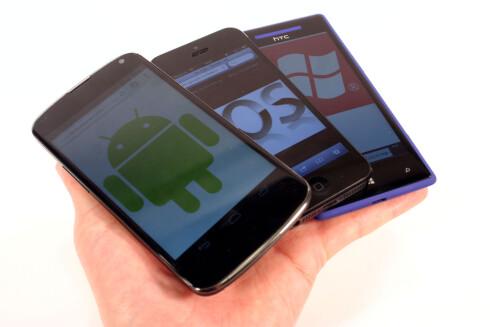 <strong>AVANSERT:</strong> Vi kjøpte flere mobiler før, men nå kjøper vi til gjengjeld dyrere mobiler, som er mer avanserte, og varer lenger. Foto: Ole Petter Baugerød Stokke