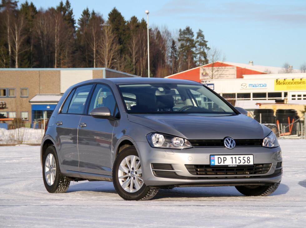 PUH! Noe som er som før: VW Golf igjen på topp. Men tre elbiler er på topp-ti-listen... Foto: Fred Magne Skillebæk